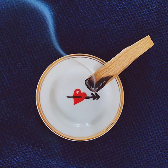 palo santo fumo